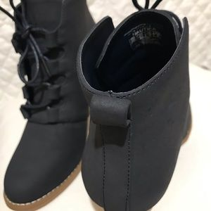 Shoes - Nautica blue marine boots/ bota al tobillo